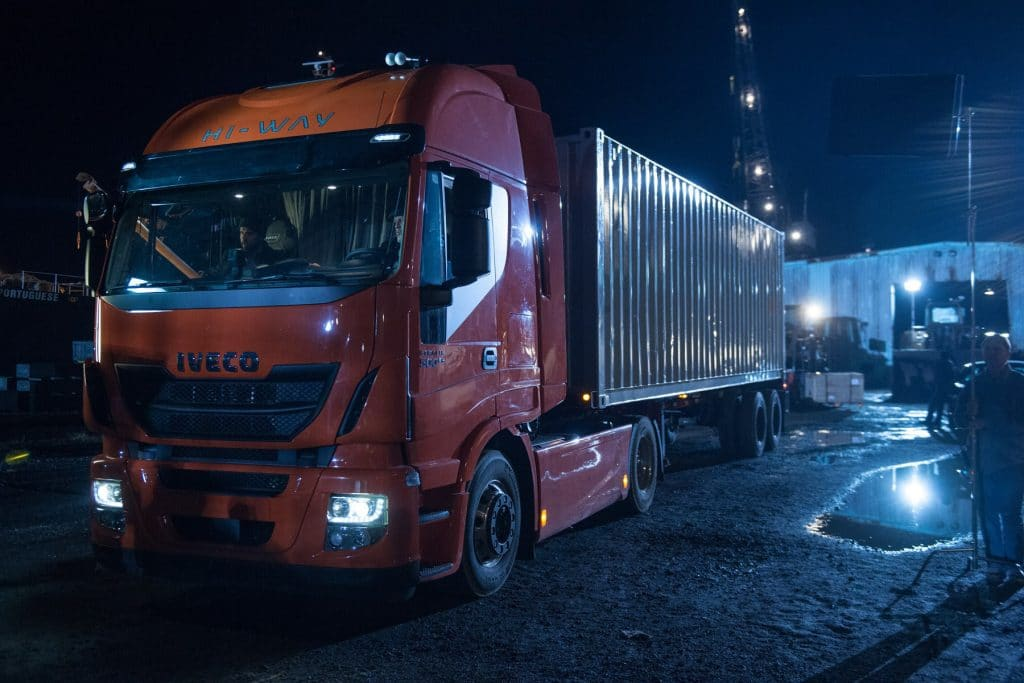 wb_batman_v_superman_iveco_stralis_2-1-1024x683