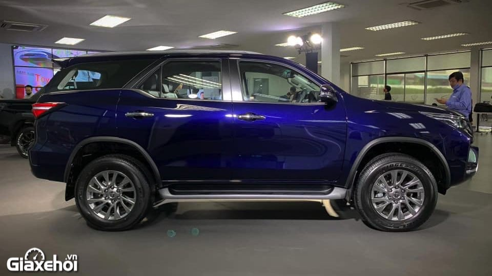 than-xe-toyota-fortuner-2021-tinxehoi-vn