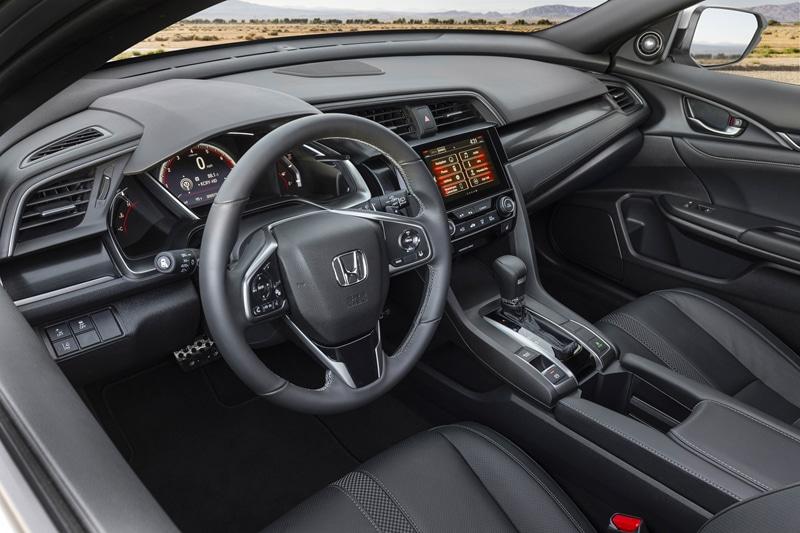 noi-that-xe-honda-civic-2021-hatchback-muaxegiatot-vn